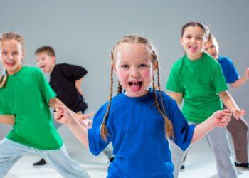kids-dance-school-ballet-hiphop-street-funky-modern-dancers_155003-2610